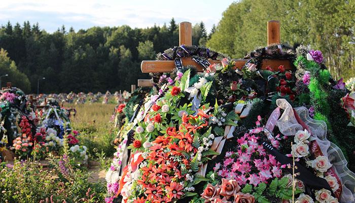 Копка могил входит в обязательный перечень ритуальных услуг